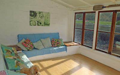 Cottage-FrontRoom2